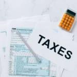 オンラインカジノに税金はかかるの?住民税や一時所得・納税方法について徹底解説